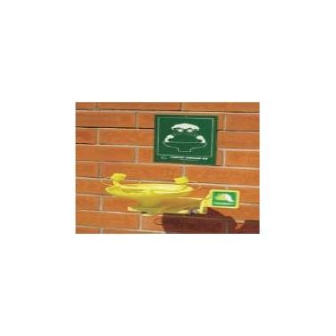 Lavaojos de emergencia mural con cubeta fabricada en ABS Komercia
