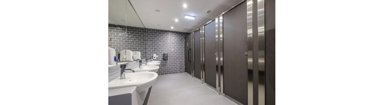 Gemeinschaftsräume für Badezimmerzubehör